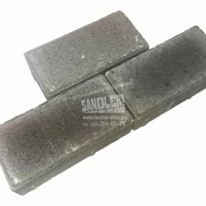Брусчатка-бетонная-три-в-ряд-цвет-серый